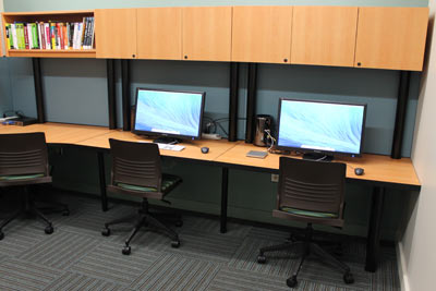 Photo of the Digital Media Center Macintosh computers.